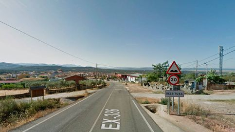 Un pueblo de Cáceres prohíbe comer chuches y pipas por la calle por covid-19