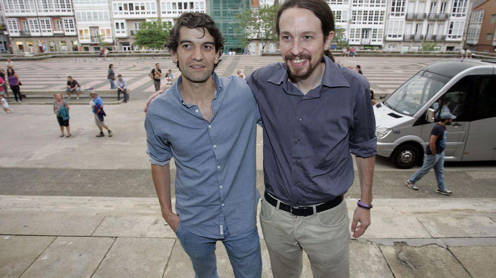 Foto: Imagen de 2015 del líder de Podemos Pablo ilgesias junto al alcalde de Ferrol, Jorge Suárez. (EFE)