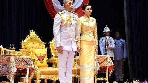 El rey de Tailandia muestra sus debilidades: Hay días que me siento abatido