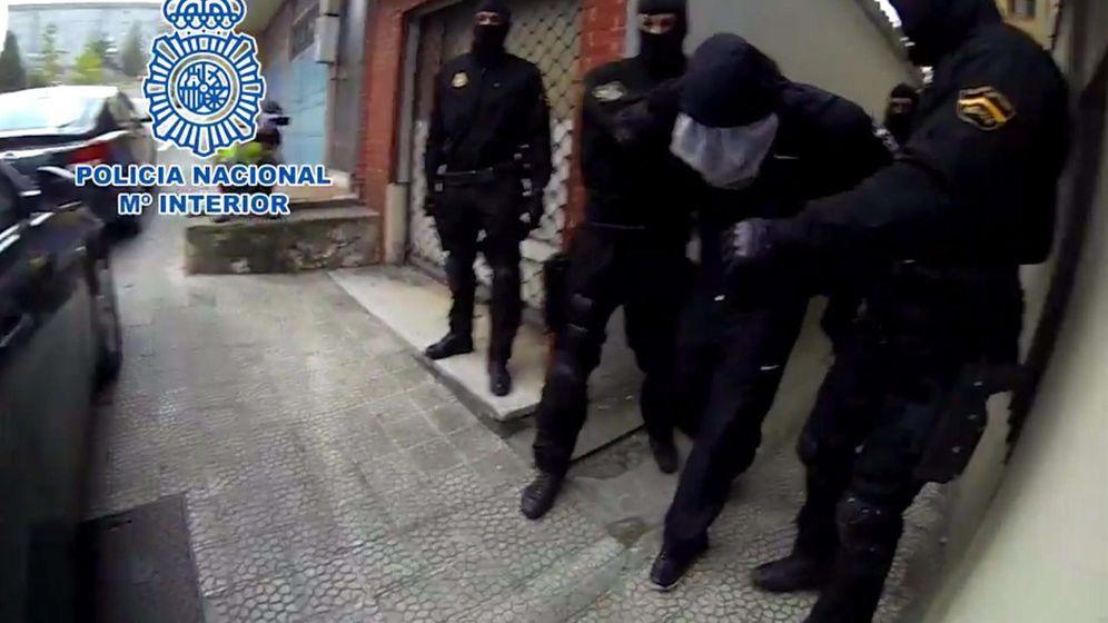 Foto: Imagen extraída del vídeo facilitado por la Policía Nacional de la detención del presunto pederasta. (EFE)