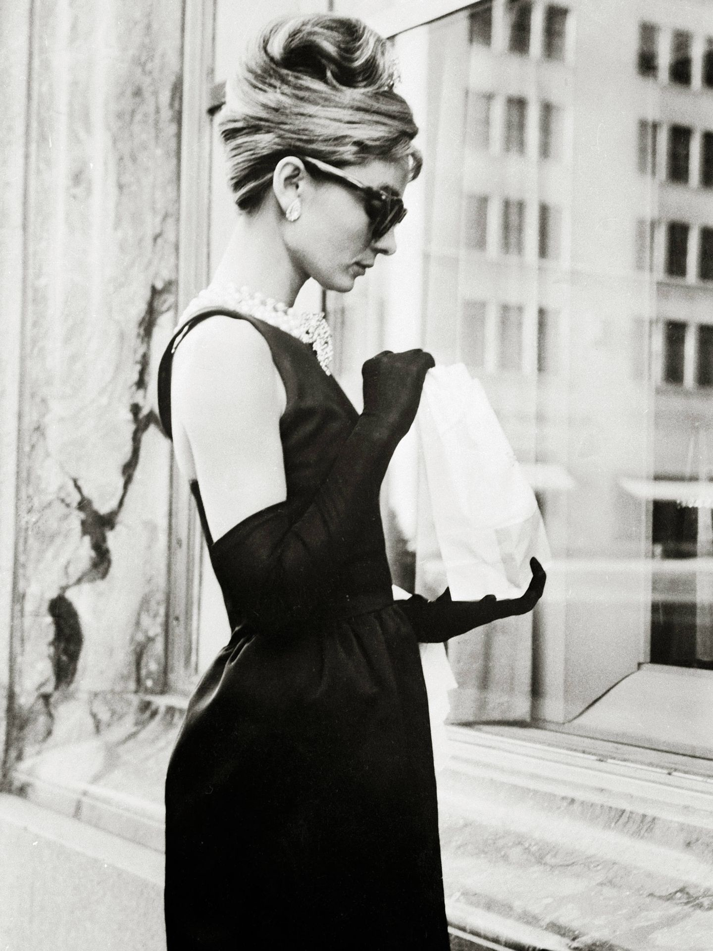 Audrey Hepburn, vestida de Givenchy para 'Desayuno con diamantes'.