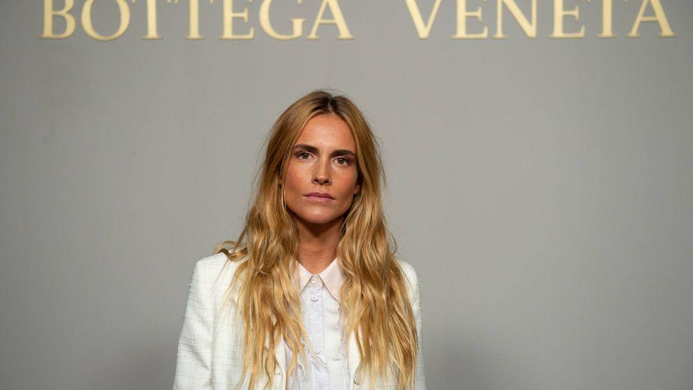 Blanca Miró ha diseñado unas americanas cortas de terciopelo ideales