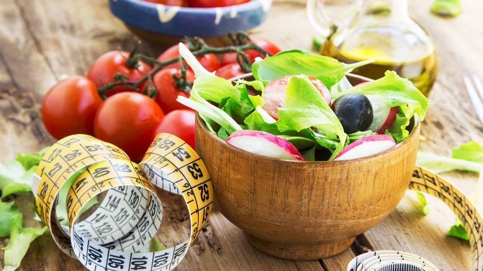 Foto: Disfruta de la comida y preocúpate por estar sano, no solo por adelgazar. (iStock)