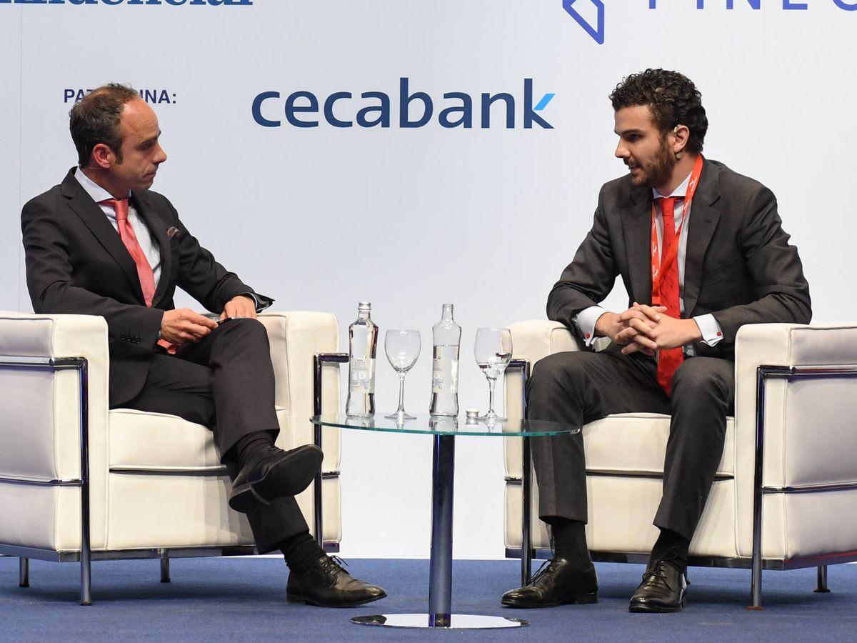 Foto: Javier Molina, El Confidencial, y Álvaro Cubero, Intermoney, durante un coloquio en el foro Iberian Value.