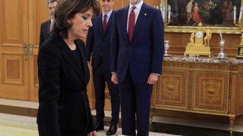 Delgado jura su cargo como fiscal general del Estado ante Sánchez y Felipe VI