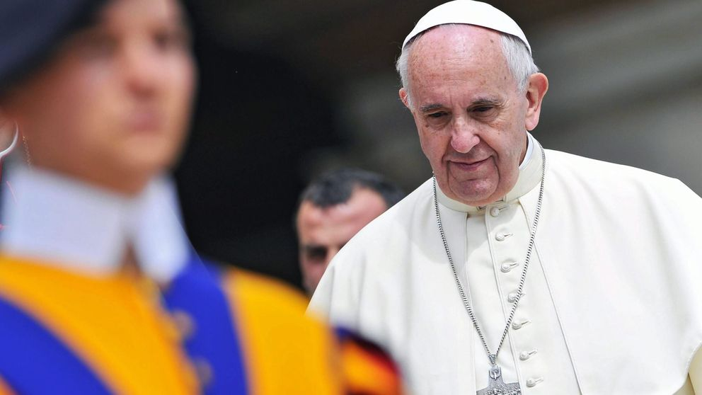 El Papa abre la puerta a que las mujeres puedan casar y bautizar