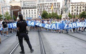 El Zaragoza tiene once jugadores y 23 días para construir una plantilla