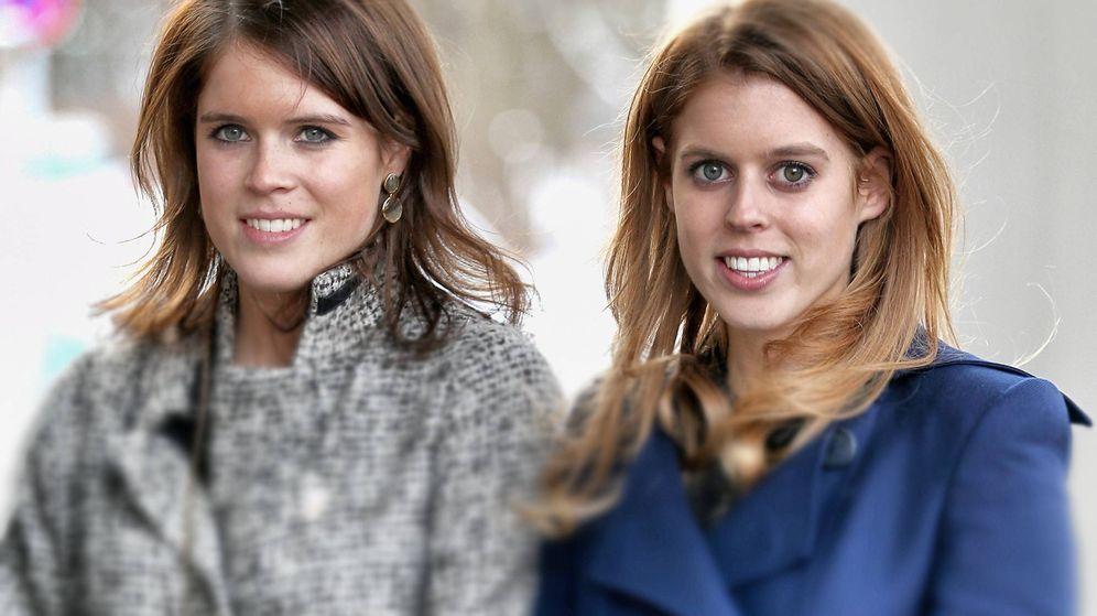 Foto: Eugenia y Beatriz de York en una foto de archivo. (Getty)