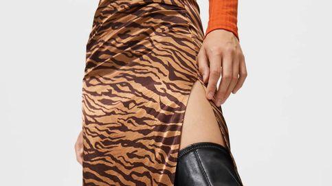 La falda midi de Stradivarius que garantiza looks originales y sensuales