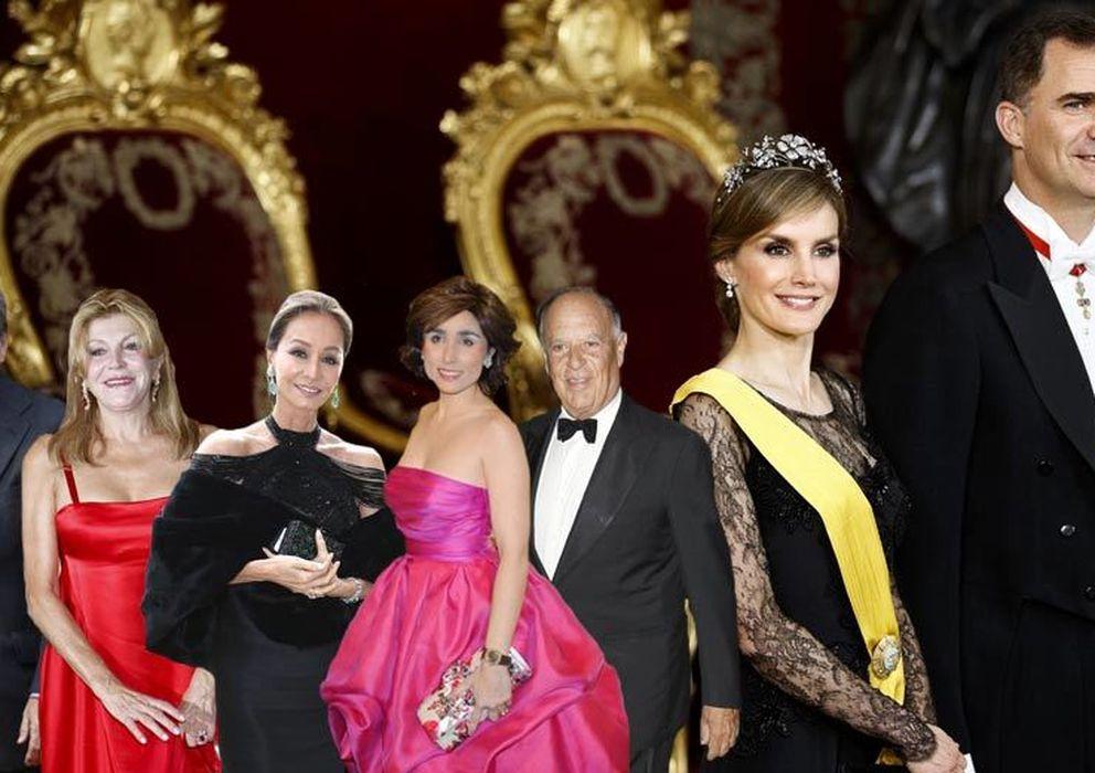 Foto: Manolo Santana, la baronesa Thyssen, Isabel Preysler, Paloma Segrelles y el marqués de Griñón, junto a los príncipes de Asturias