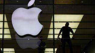 Las 15 grandes empresas que ya no exigen un título para contratar (y los motivos)