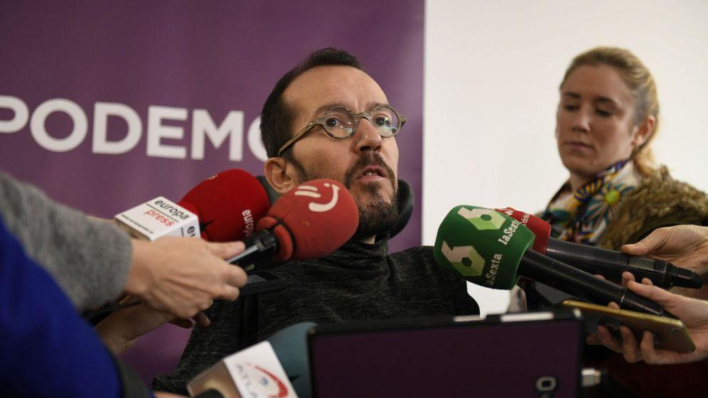 Foto: El secretario de Organización de Podemos, Pablo Echenique, en la reunión del comité de campaña. (EFE)