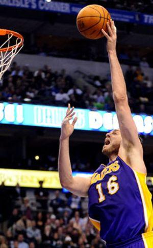 Pau, a pesar de perder, lidera a su equipo y alcanza los 13.000 puntos en la NBA