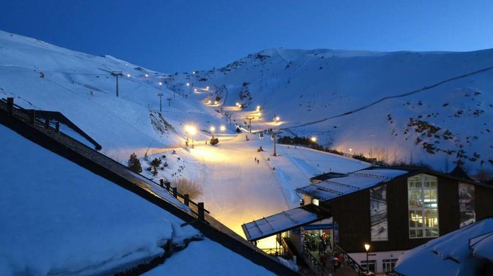 Foto: Esquí nocturno en Sierra Nevada (Facebook).
