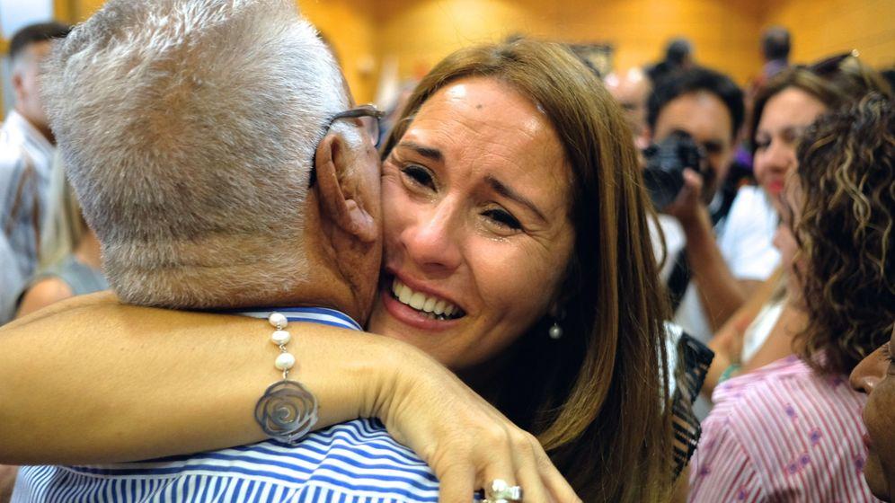 Foto: La presidenta censurada, Lola García, de CC. (EFE)