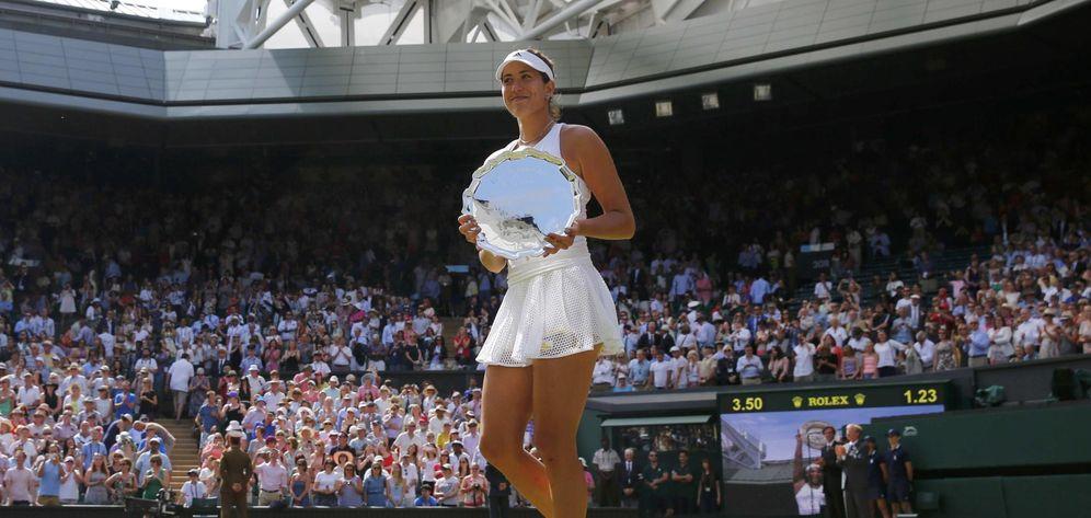 Foto: Garbiñe Muguruza se metió en el bolsillo a la exigente afición de Wimbledon (Reuters)