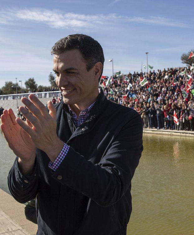 Foto: Pedro Sánchez, en un acto con militantes. (EFE)