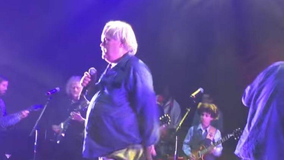Foto: Bruce Hampton segundos antes de morir en el escenario. (YouTube)