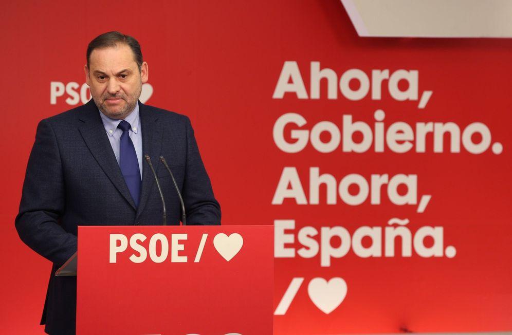 Foto: José Luis Ábalos, secretario de Organización del PSOE, este 19 de noviembre en Ferraz. (EFE)