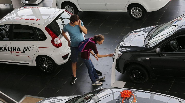 En España se financia la venta de cerca de 100.000 coches al año. (EFE)