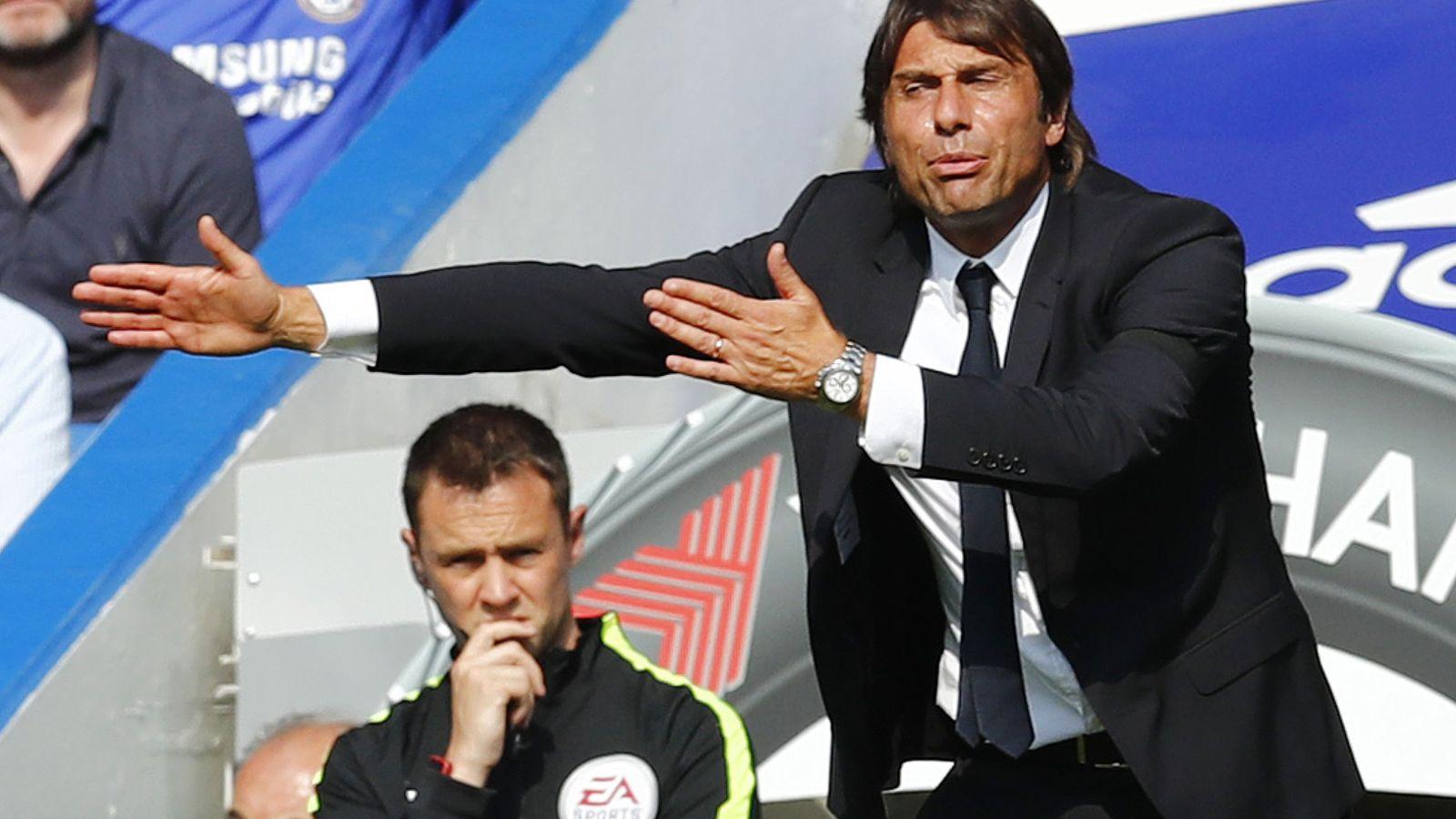 Foto: Antonio Conte dirigiendo a sus jugadores frente al Burnley. (Eddie Keogh/Reuters)