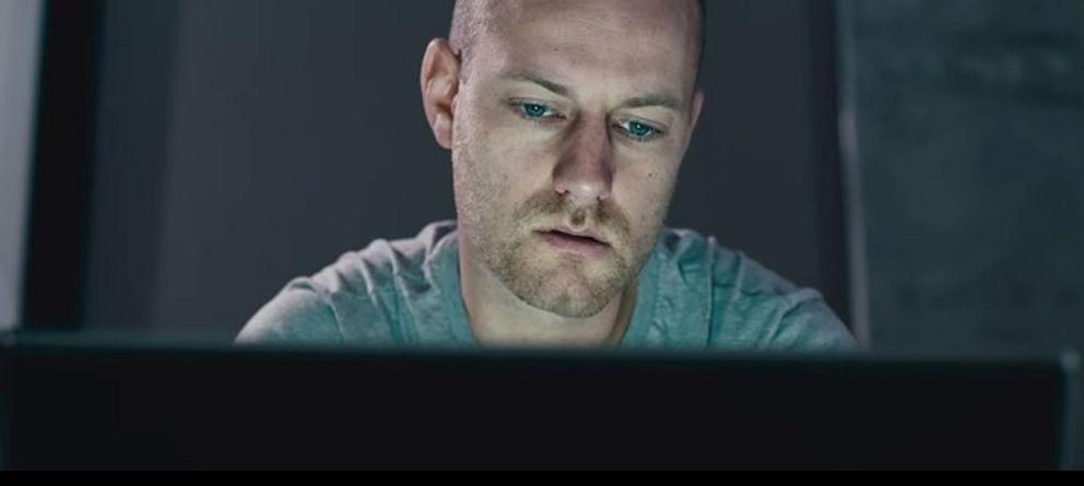 Foto: El personaje protagonista del cortometraje, Scott Thomson. (Youtube)