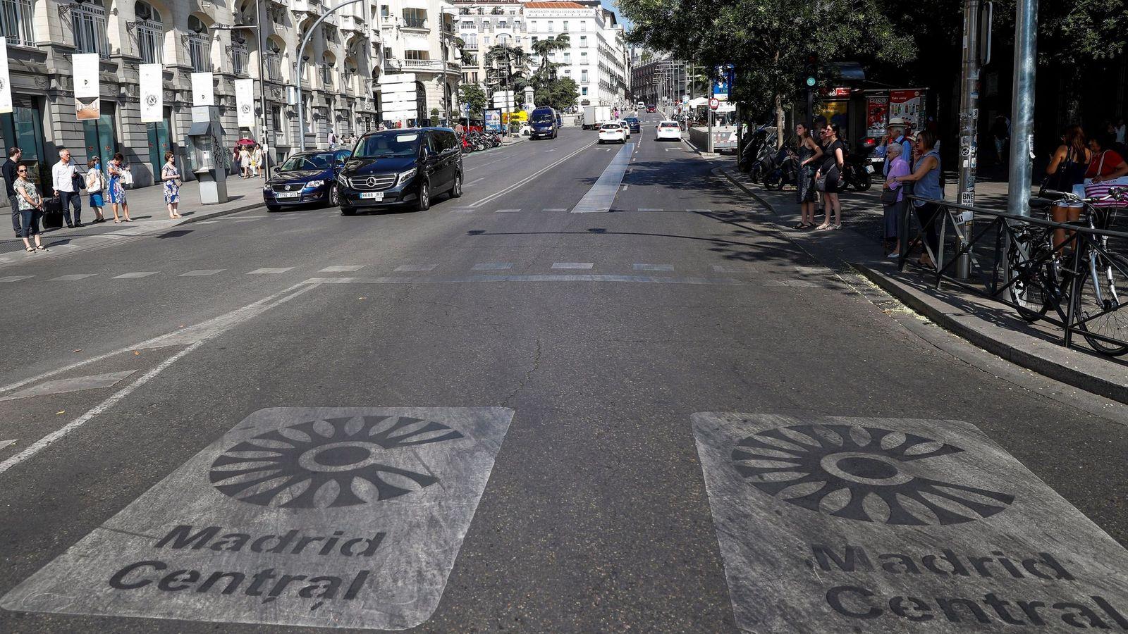 Foto: Entrada a Madrid Central por la Carrera de San Jerónimo. (EFE)