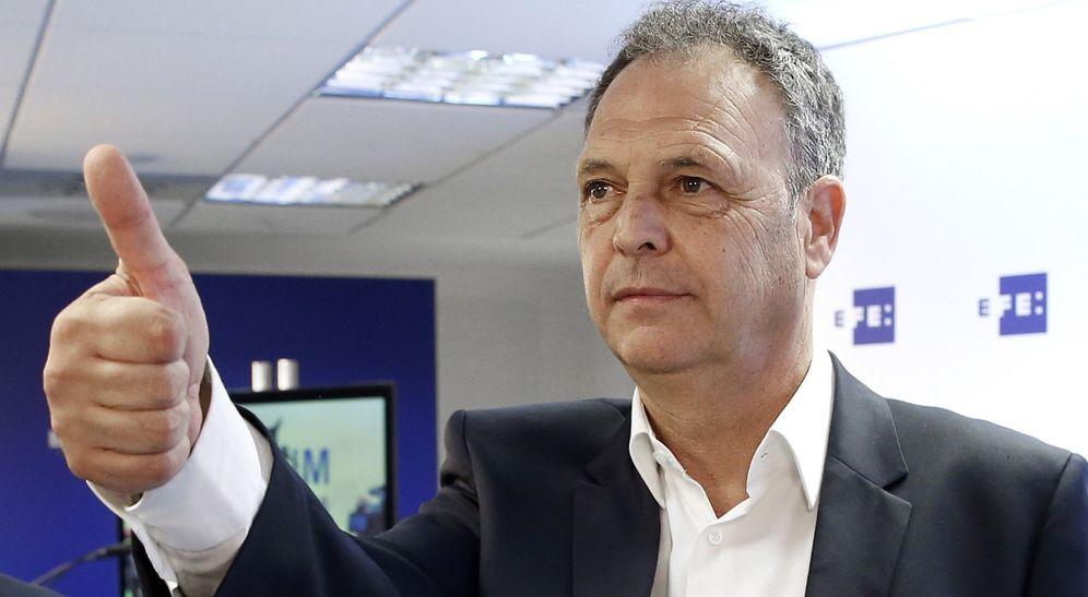Foto: A Ángel María Villar no le gustó que Caparrós se vendiera en diferentes medios como futuro seleccionador nacional (EFE)