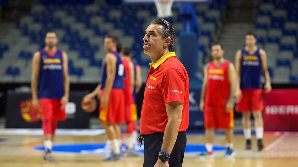 Foto: Sergio Scariolo, en un entrenamiento de la Selección en la última ventana FIBA. (EFE)