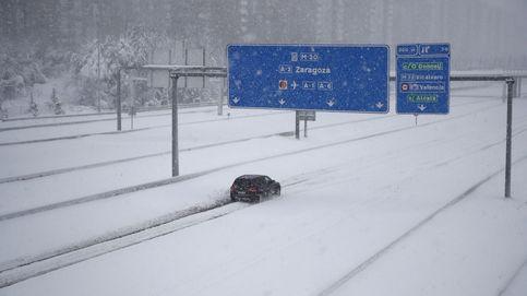 El temporal deja a muchos ciudadanos atrapados durante horas en la nieva