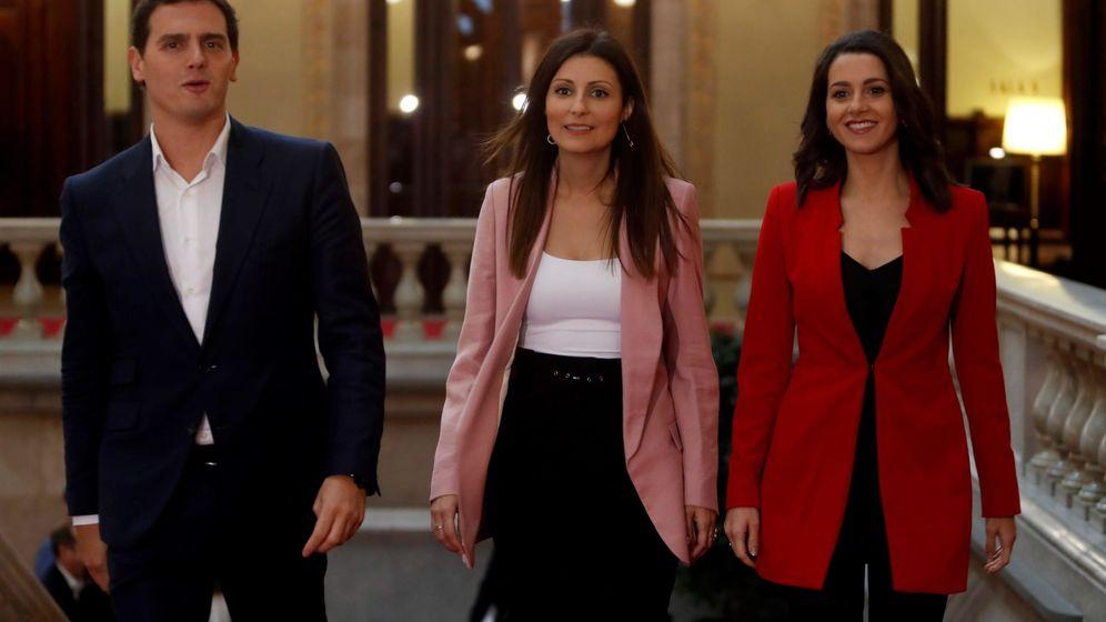 Foto: Albert Rivera, Lorena Roldán e Inés Arrimadas, de Ciudadanos. (EFE)
