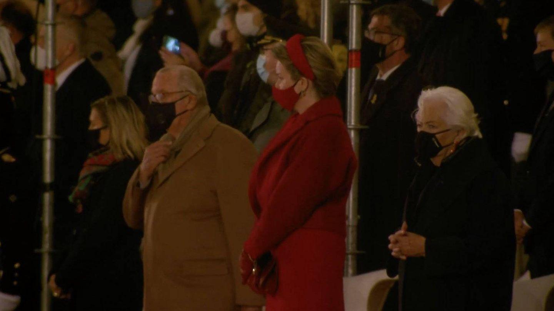 El rey Alberto y la reina Paola, junto a Matilde de Bélgica. (Facebook Real Academia Militar)