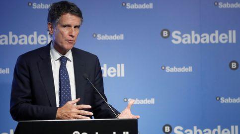 Sabadell vende una cartera de 900 M en crédito fallido a Intrum y Cerberus