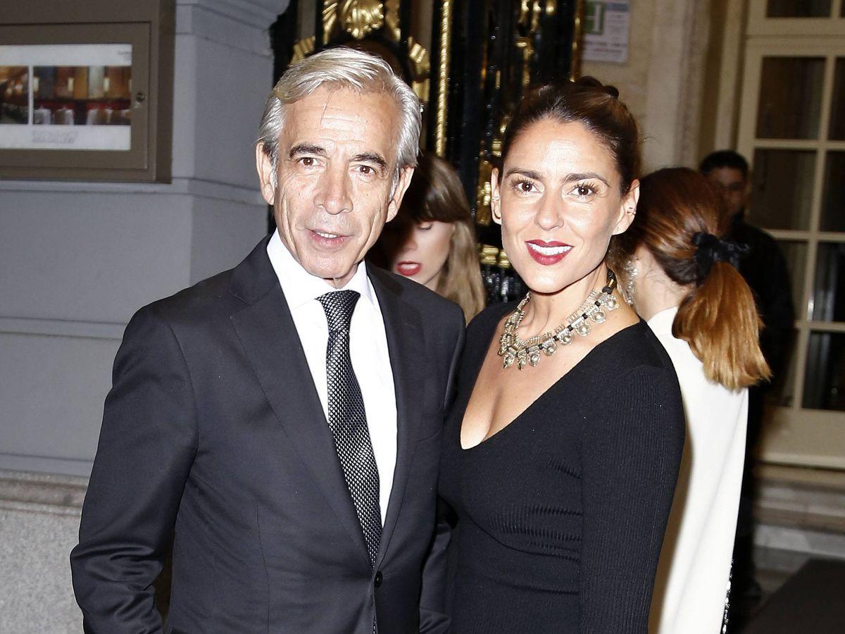 Foto: Imanol Arias e Irene Meritxell, en los Premios GQ. (Cordon Press)