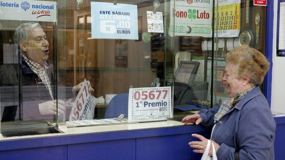 Foto: Una administración de lotería en Oviedo (EFE)