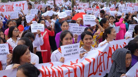 Vietnam excarcela a la activista 'Me Nam' pero la condena al exilio