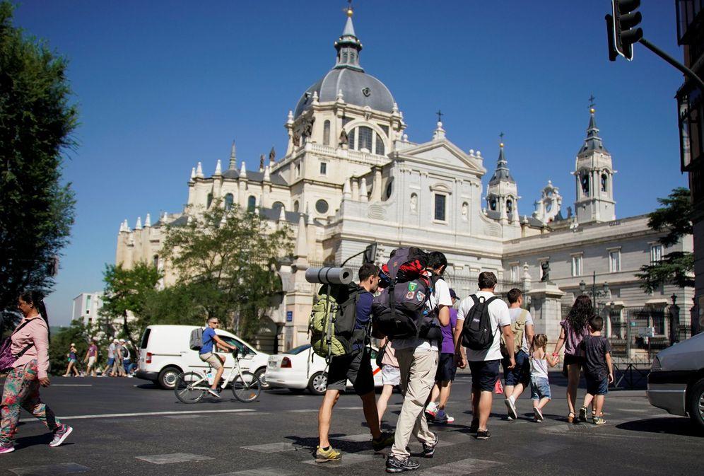 Turismo alarma en madrid los hoteleros pinchan frente a for Pisos turisticos madrid