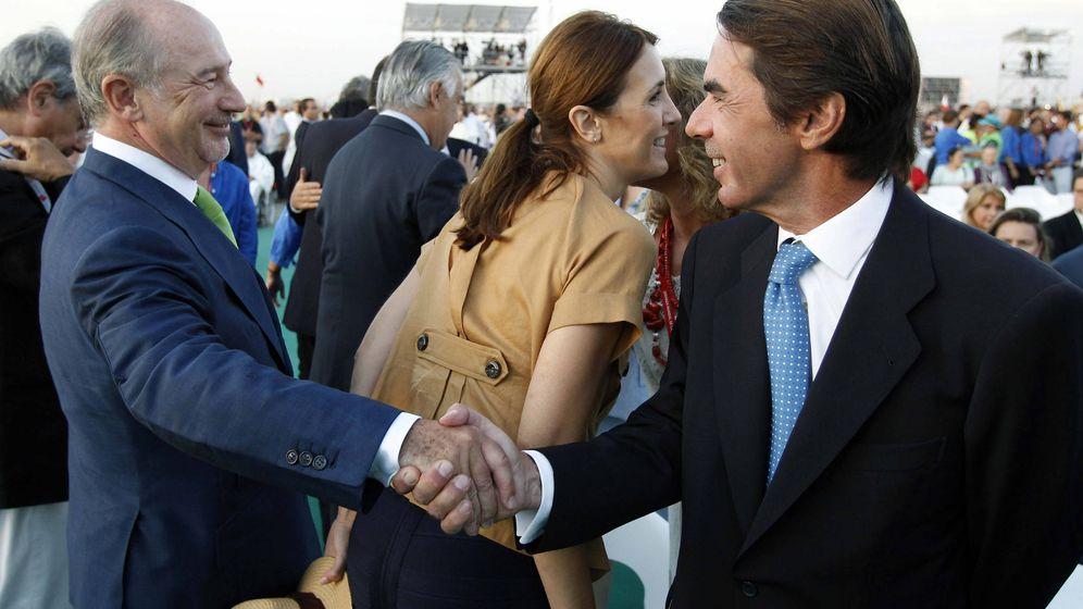 Foto: Rodrigo Rato y José María Aznar, en una foto de archivo. (Efe)