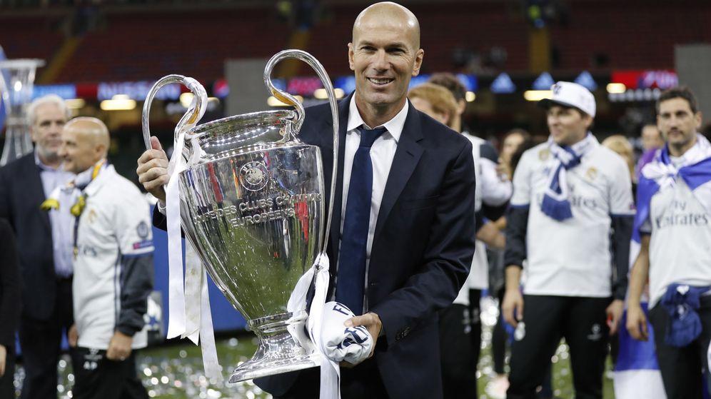 Foto: Zidane posa con su segunda Champions consecutiva como entrenador. (EFE)