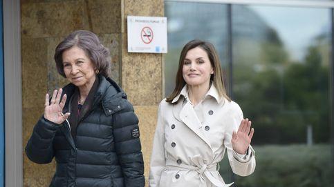 Sofía, Letizia y Felipe visitan al rey Juan Carlos tras su operación