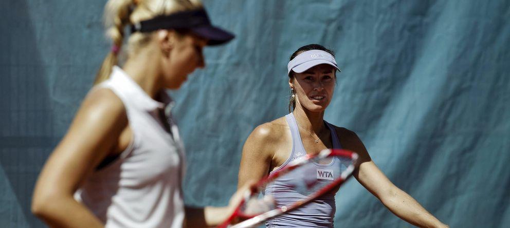 Foto: Martina Hingis junto a Lisicki, en un partido de dobles (Efe).