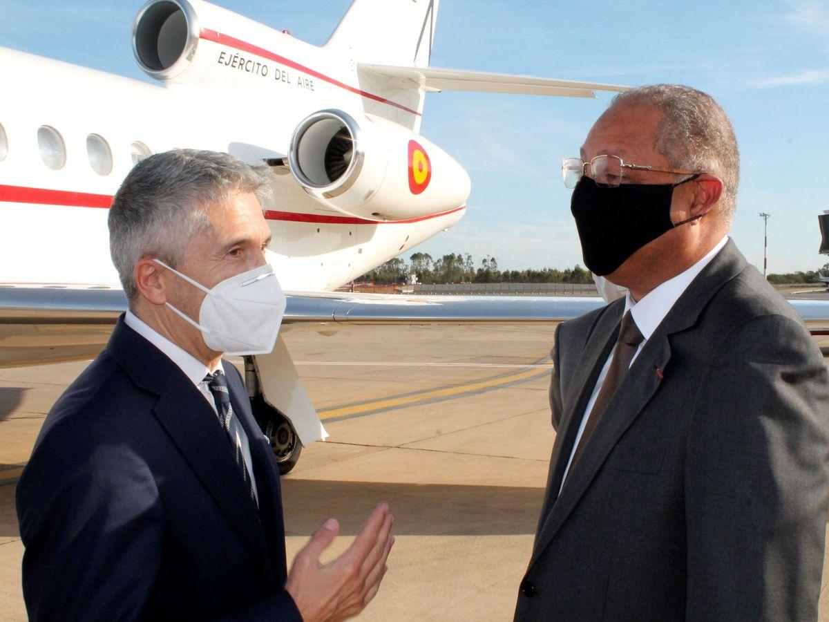 Foto: El ministro del Interior, Fernando Grande-Marlaska, en su llegada a Rabat, Marruecos. (EFE)