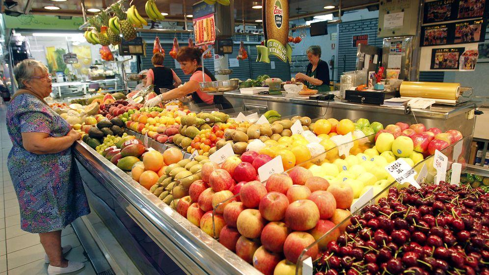 Foto: Las frutas y verduras son algunos de los alimentos que menos gustan a los españoles. (Reuters/Albert Ggea)