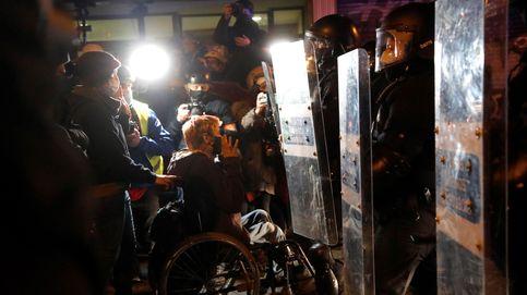 Un juez investiga a dos 'mossos' por la pérdida del ojo de una joven en disturbios por Hasél