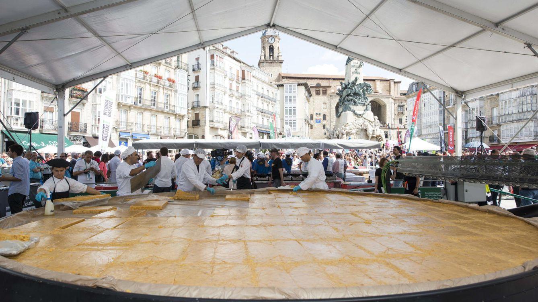 Foto: Tortilla preparada en Vitoria en 2014 (EFE)