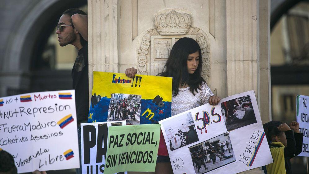 Foto: Opositores venezolanos piden en Madrid una mayor condena internacional a Maduro. (EFE)