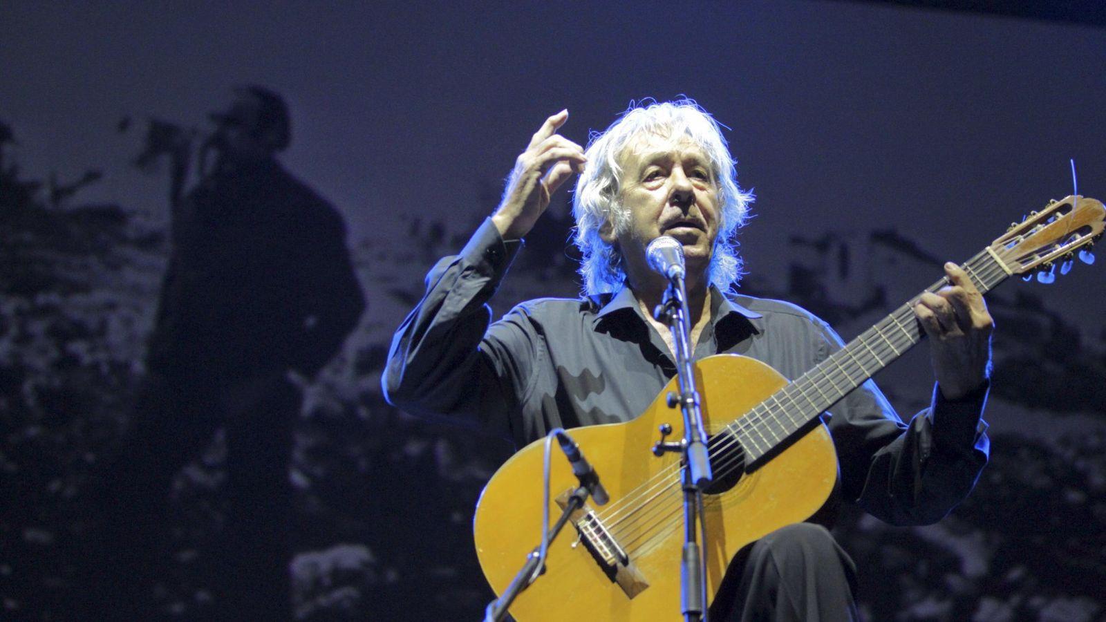 Foto: El músico Paco Ibañez durante el concierto 'Aragón sigue, Labordeta vive'. EFE/Javier Cebollada
