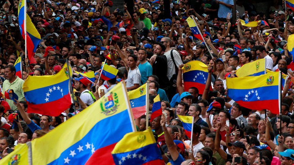 Máxima tensión en Venezuela: dos presidentes e incertidumbre con los militares