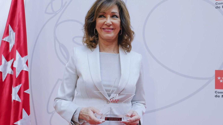 Ana Rosa, en la ceremonia de los Premios del Día de la Mujer en la Comunidad de Madrid. (Cordon Press)