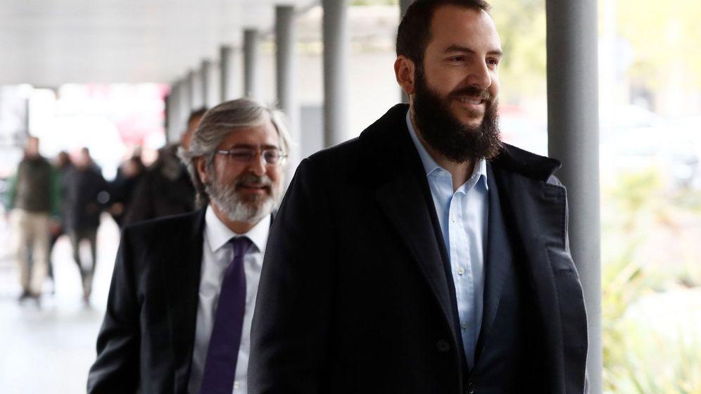 Foto: Borja Thyssen, a su llegada al juzgado. (EFE)